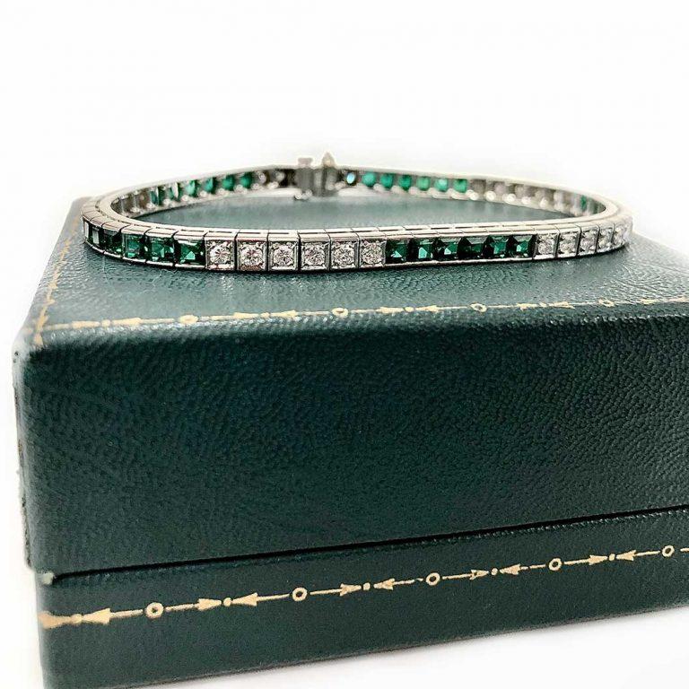 14KW Dia & Green stone Bracelet