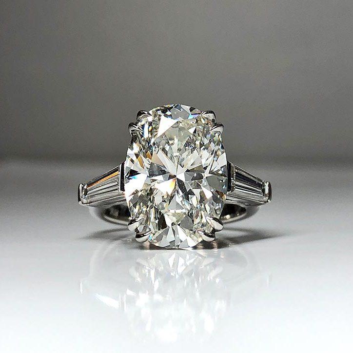 GIA certified 7.10 carat I SI 1 Diamond Ring in platinum mounting