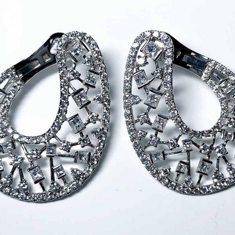 18 KW Wrap Earrings