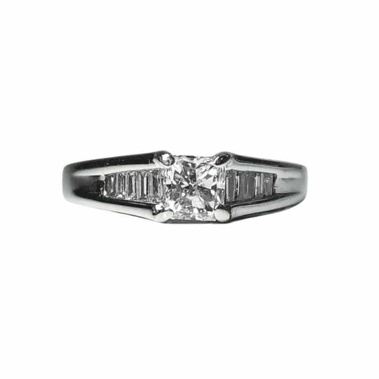 18KW Brilliant Star Engagement Ring